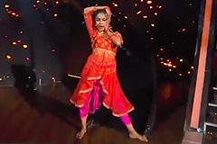 Shweta Warrior's Indian Hip Hop Dance Performance on Pinga Song Dance India Dance 2017 - December 3   ZEETV