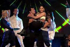 Sizzling Dance Performance Of Mayuresh Pem And Pooja Sawant - MAAI Awards