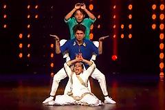 Sonal, Piyush, Sujan's Freestyle Hip Hop Dance Performance On Tamma Tamma Again Song Dance India Dance 2017 - November 25   ZEETV