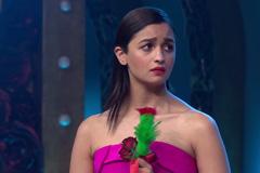 Sunil Grover Takes Alia Bhatt On A Date | Big Entertainment Awards 2017 | OZEE Exclusive