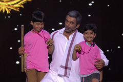 Sunil Grover's Comic Tribute For Dangal | Big Entertainment Awards 2017 | OZEE Exclusive