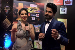 Sunny Leone on the red carpet of Zee Cine Awards 2017 - Exclusive