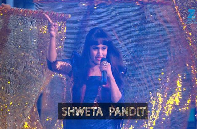 Sweta Pandit Performs on 'Koi Yahan Nache Nache' song - MMA 2017