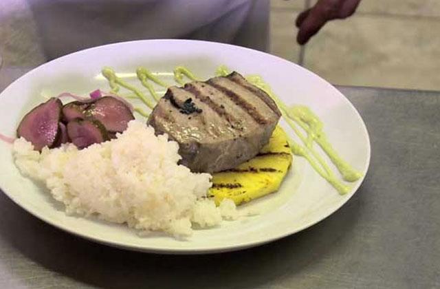 Tuna Teriyaki On Grilled Pineapple With Cucumber Salad And ...