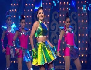 Urvashi Rautela Dashing Performance on Dady Mummy & Sara Jamana | Big Entertainment Awards 2017 | OZEE Exclusive