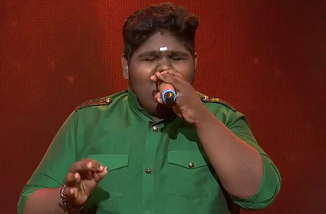 Vaishnav Girish Sings Bahon Ke Darmiyan & Mere Rang Mein Rangne Wali Sa Re Ga Ma Pa Lil Champs 2017 - October 22, 2017 | ZEETV