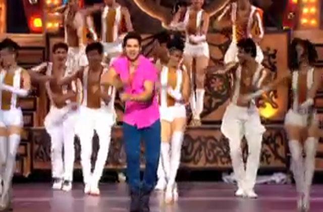 Varun Dhawan Grooves To Badri Ki Dulhaniya Track - ZCA 2017