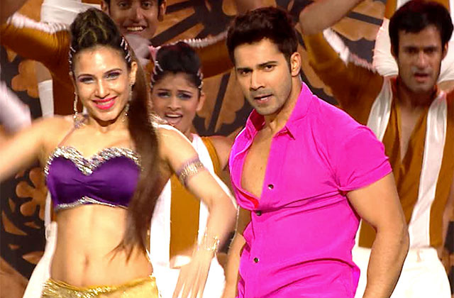 Varun Dhawan's 'Tamma Tamma' Performance At ZCA 2017