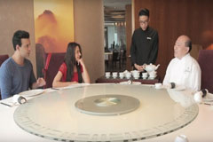 Visit The World's Finest Chinese Restaurant With Aamir-Sajeeda | Discover Hong Kong | Zing TV