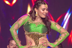 Watch Hebah Patel 's Rocking Performance Moments On ZCA 2017