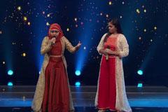 Yumna & Shanmukhapriya Sing Sajnaji Vaari Vaari Sa Re Ga Ma Pa Lil Champs 2017 - October 14, 2017   ZEETV