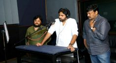 Pawan gives Voice Over to SyeRaa