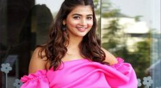 Pooja Hegde Bags Offer In Akshay Kumar's Next Movie