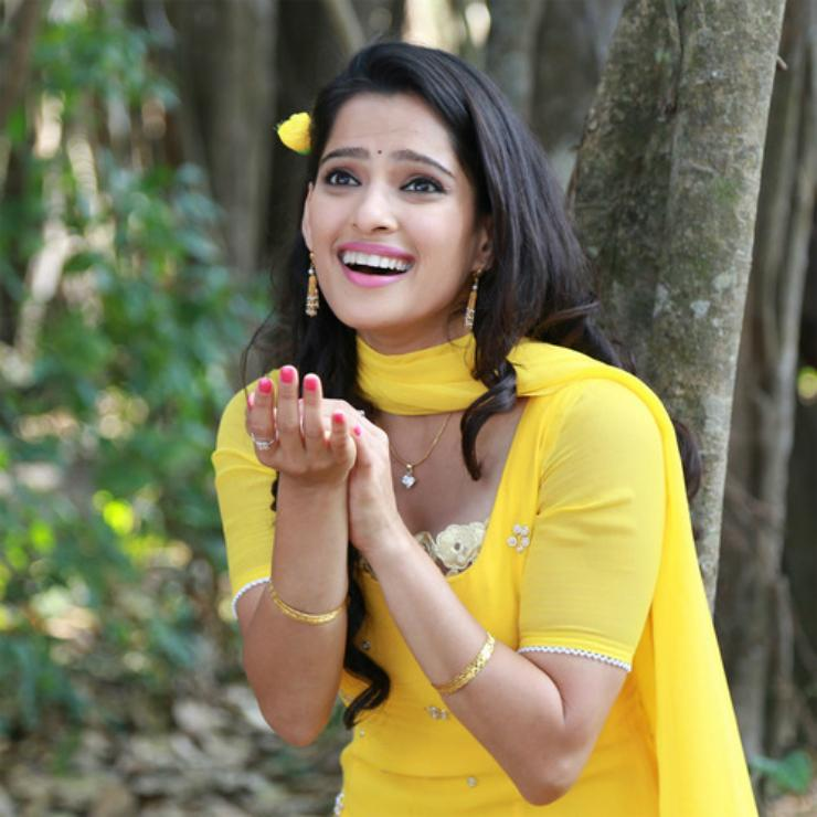 Priya Bapat focusing on Vajandaar after award winning performance in Happy Journey