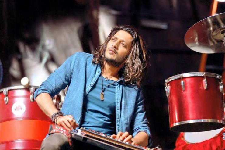 Riteish Deshmukh Sporting Long Hair In Banjo!