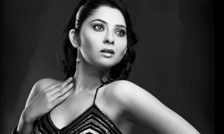Sonalee Kulkarni tells us how important team work is!