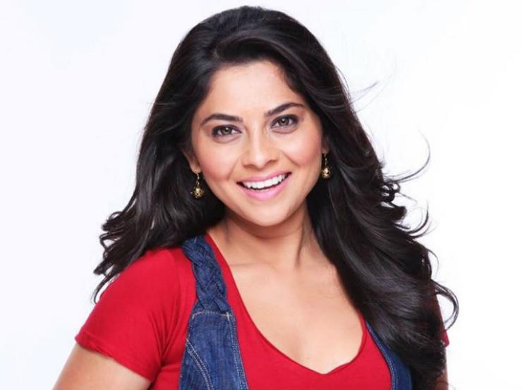 After Poshter Girl Sonalee Seems To Be In A Relaxed Mood