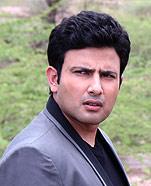 Akshat Gupta as Abhimanyu