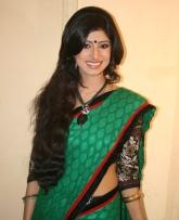 Vindhya Tiwari as Lovely