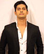 Ravi Dubey as Siddharth Khurana
