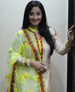 Shruti Ulfat as Mrs. Khurana