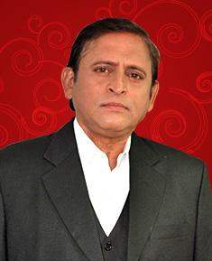 Ravi Mankane as Gautam Rajadhyaksha