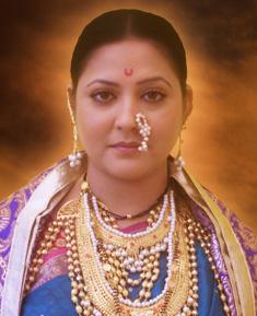 Surbhi Tiwari as Maina Bai