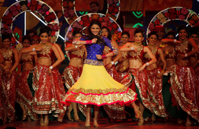 Anushka Sharma Performs On