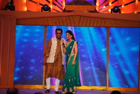 Sonali Bendre And Anurag Basu On The Stage