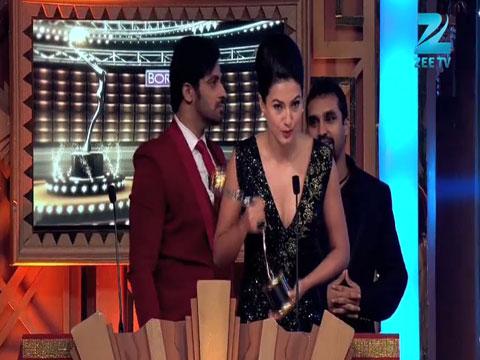 Gauhar Khan Wins Most Fit Actor Female Award