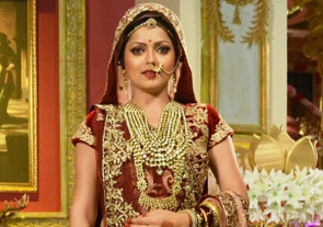 A 40 kg Bridal Lehenga for Drashti Dhami on Ek Tha Raja EK Thi Rani