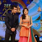 Rithvik Dhanjani and Rati Pandey to host
