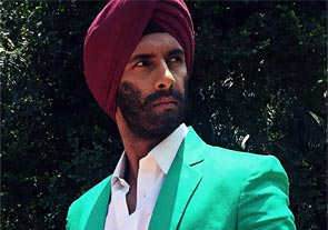 Jamai Raja turns 'FUN' jabi Chef 'Tadka Singh'!