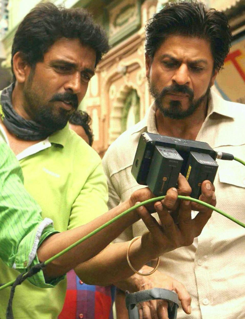 Кадры из фильма смотреть индийский фильм с шахрукх кханом богатей