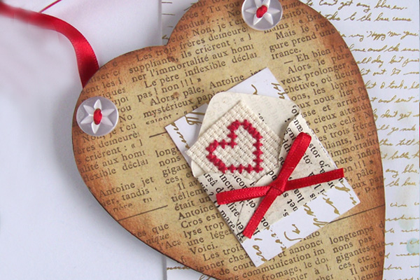 creative ways of writing love letters It's easy to just write a love letter on paper and send it off and for some  here a  few special and creative ways to to write and send a love letter.